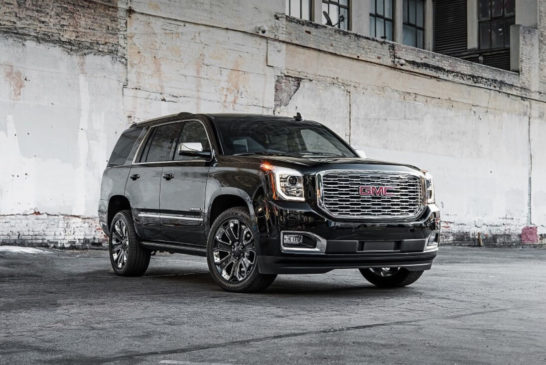2018-GMC-Yukon-Denali-Ultimate-Black