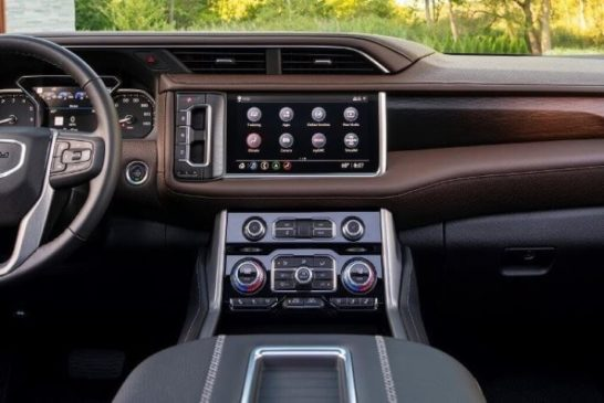 2021 GMC Yukon – Redesigned cabin for a premium experience
