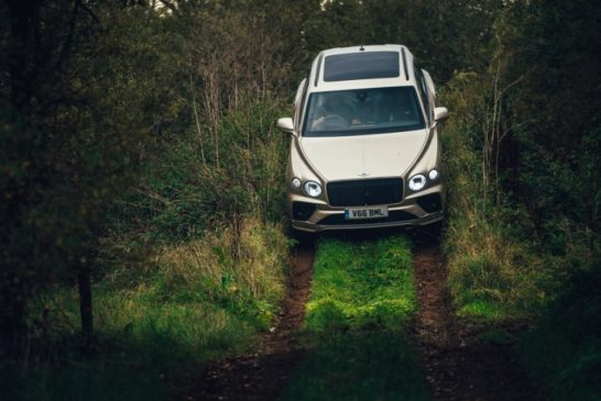 Image 3 – Bentley Bentayga V8's Offroad Abilities